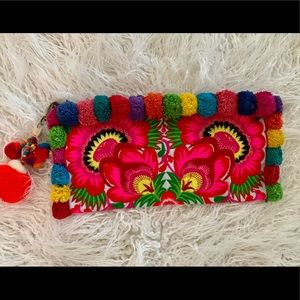 Handbags - 🌴Tulum Mexican Embroidered Clutch 🌈